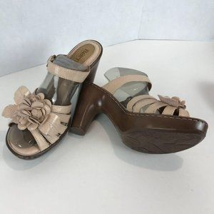BORN HEELED SANDALS Sz W10
